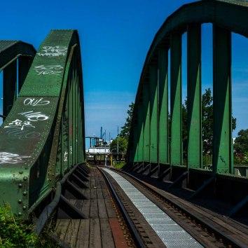 Brücken und Tunnel (1)